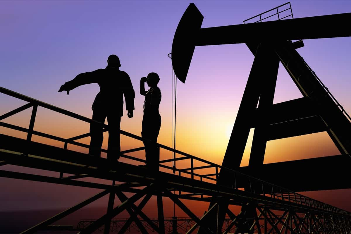 oil rig workers conducting operational asset integrity services